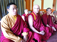 チベット僧侶.jpg